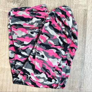 Hard Candy Pink Camo Cropped Workout Leggings